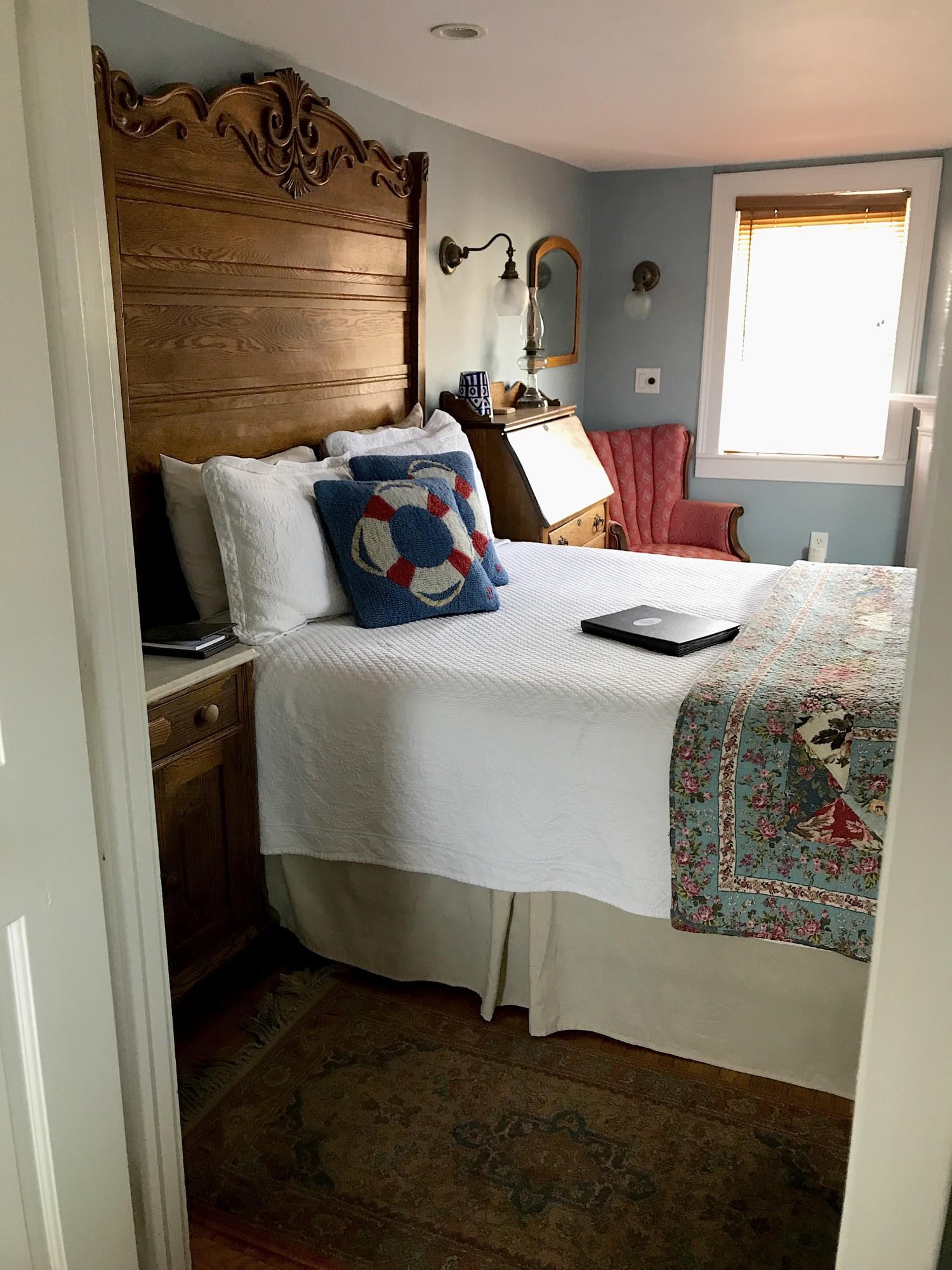 Queen Bedroom Suite: Cape Cod Lodging: Guest Rooms